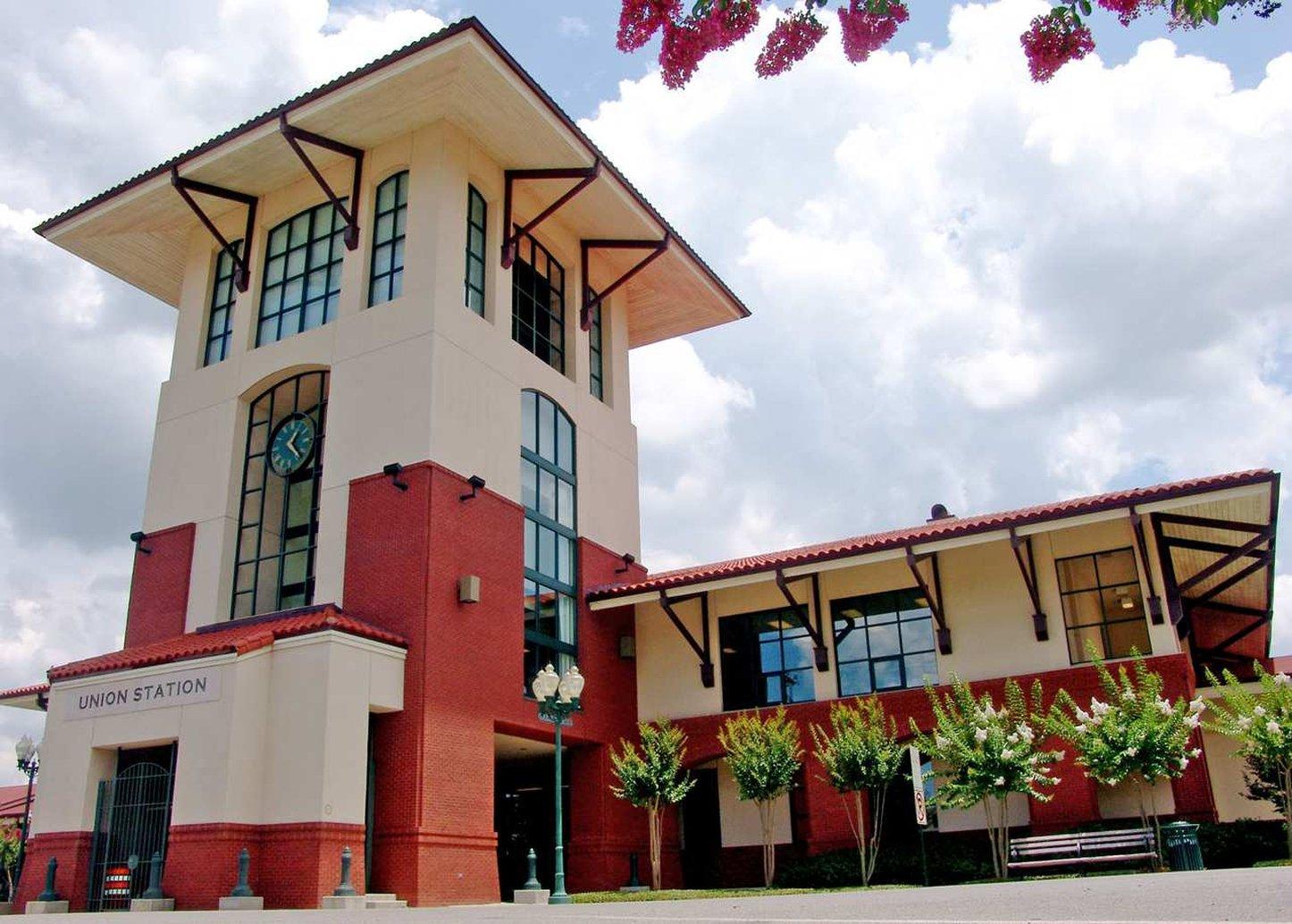 Explore Meridian Hilton Garden Inn Meridian