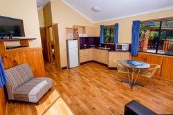 Kookaburra Family Villa Kitchen & Living Area