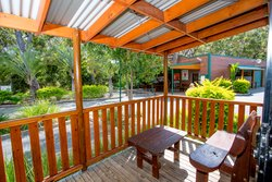 Kookaburra Family Villa outdoor seating