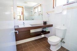 Luxury Retreat Bathroom
