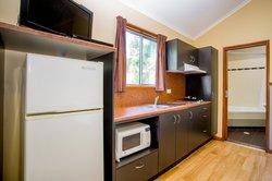 Gumnut Spa Hideaway - Kitchen