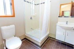 Gumnut Hideaway Bathroom (cabins 10-14)