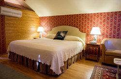 Cottage Suite King Bedroom