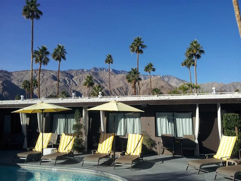Pool at Avanti hotel in Palm Springs California
