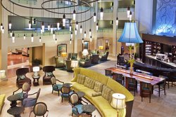 Mix & Mingle in Crowne Plaza's Charleston Hotel Lobby Bar &Lounge