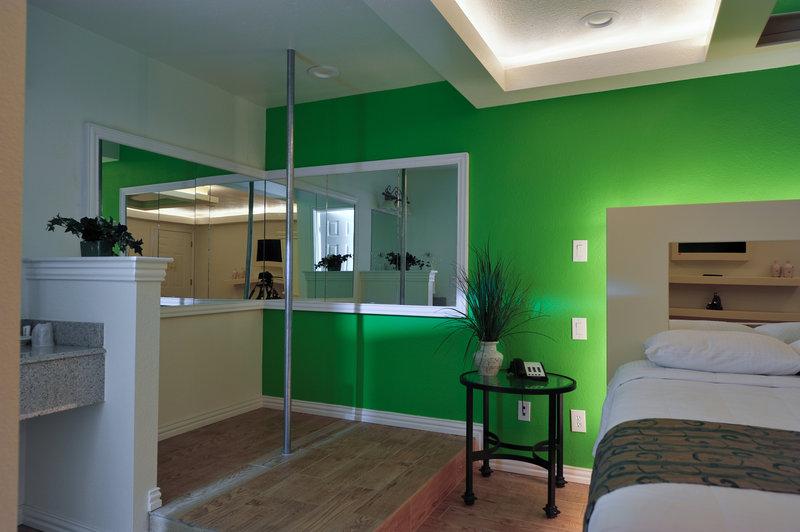 Dallas Hotel Suites Romantic Inn Suites
