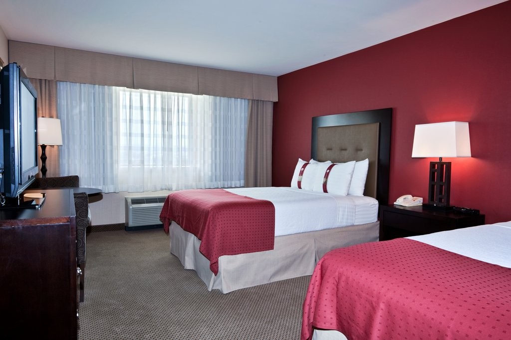 More Amenities at our Hotel with Airport Shuttle