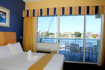Hotel in clearwater beach florida chart house suites