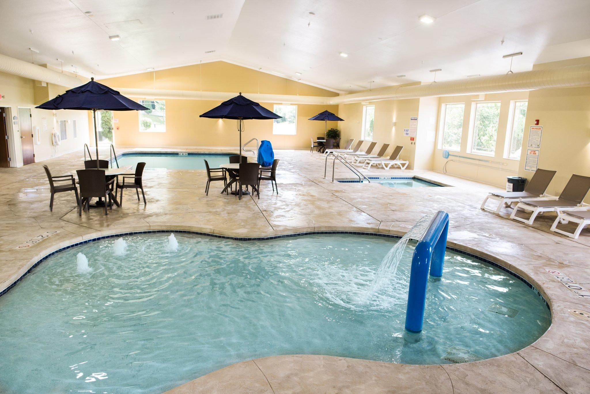 Hotel In Lake Geneva Wi Comfort Suites Lake Geneva East