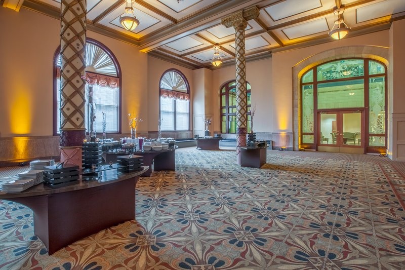 Crowne Plaza Indianapolis Downtown Union Station Pictures