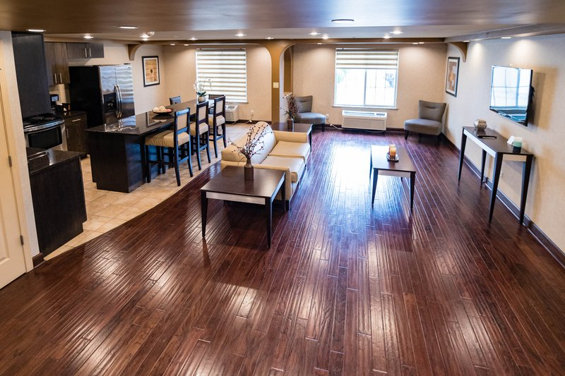 Thereu0027s Space For Six In The Two Floor Family Suite, With One King And Two  Double Beds. This 850 Square Foot Apartment Has Two Bathrooms, A Full  Kitchen, ...