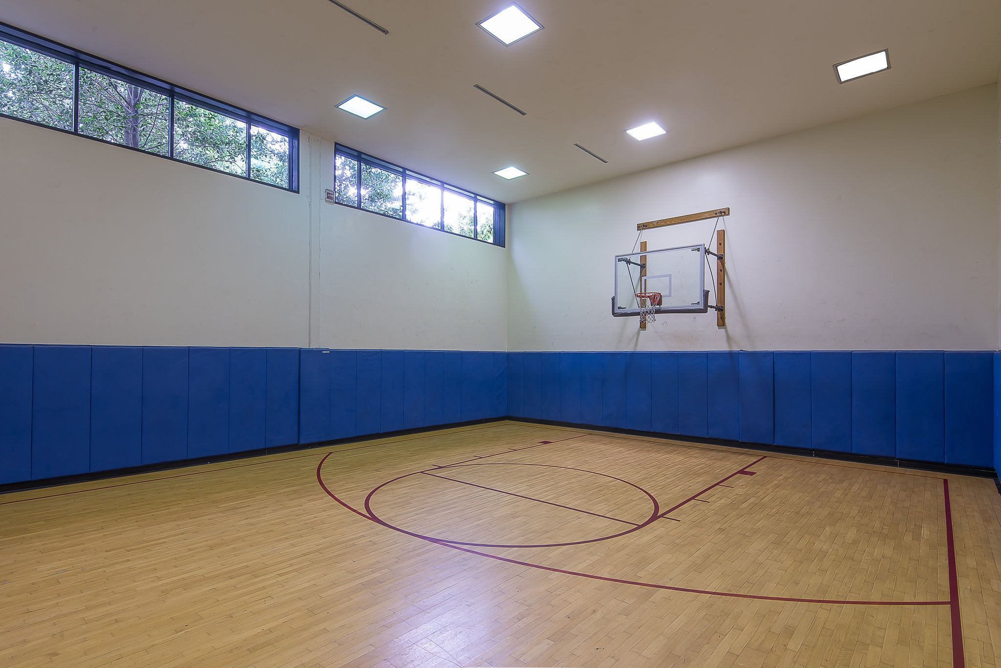 الإيمان زر مأساة Indoor Basketball Courts In South Jersey Picturemydress Com