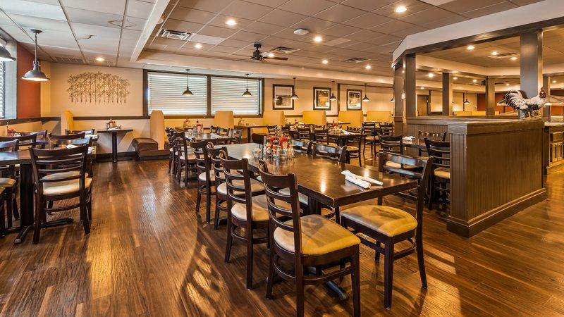 Hotel With Restaurant In Wichita Ks Best Western Wichita