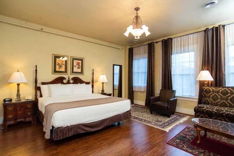 Hotel Rooms Suites In Seattle Washington MarQueen Hotel Classy Bedrooms And More Seattle Decor