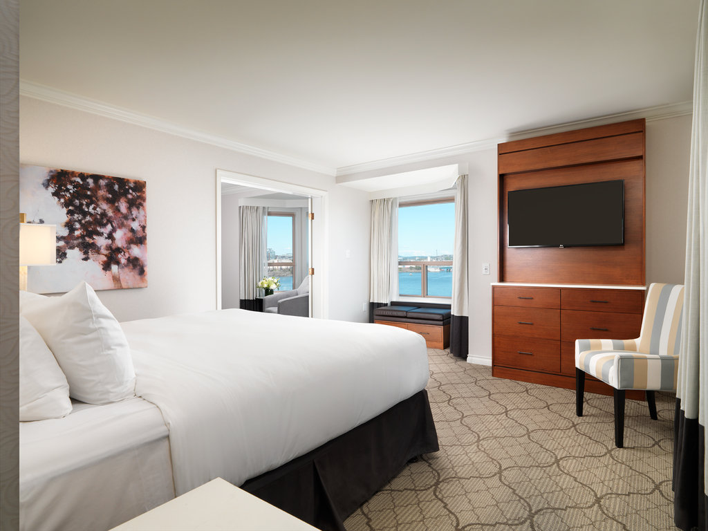 Signature Harbour View One Bedroom Suite