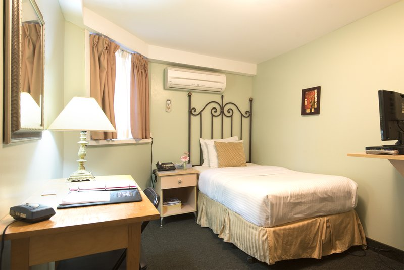 Hotel Photo Gallery | Victoria's Mansion Guest House