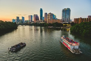 Sunset Cruises On Lady Bird Lake