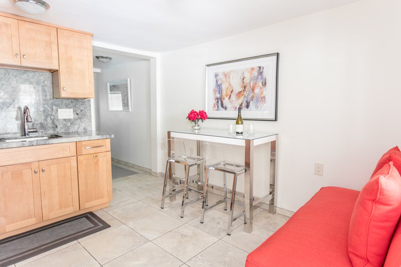 Strange Luxury Economy 1 Bedroom Suite Parc Suites San Diego Download Free Architecture Designs Jebrpmadebymaigaardcom
